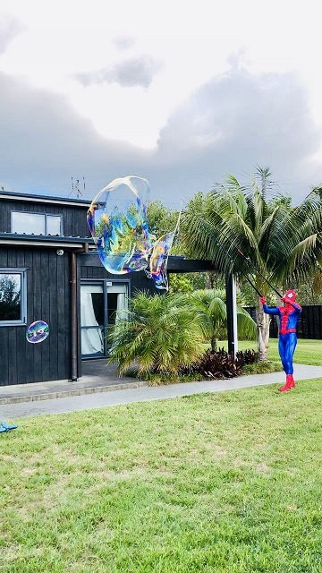 Spiderman in action - SuperFun Parties (3)